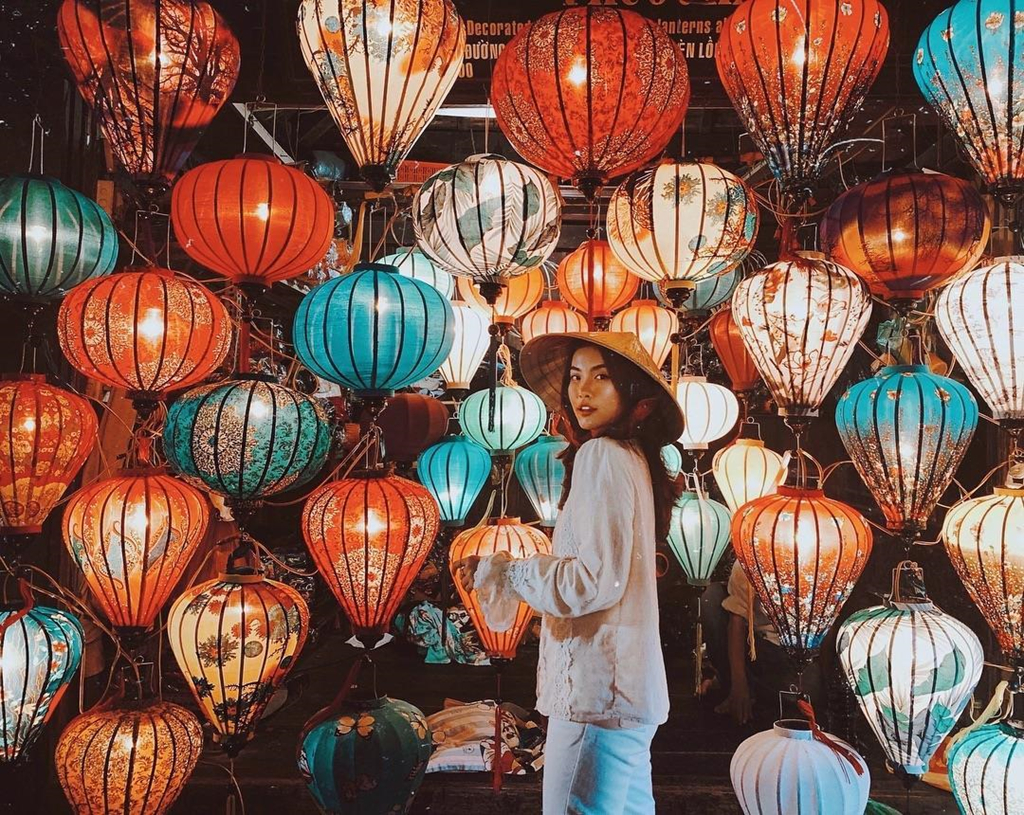 Best nightlife experiences in Hoi An - Hoi An market